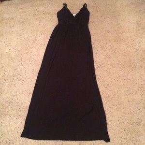Dresses & Skirts - Vneck Black Maxi Dress
